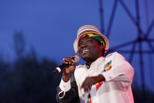 rod-taylor-reggae-chartres